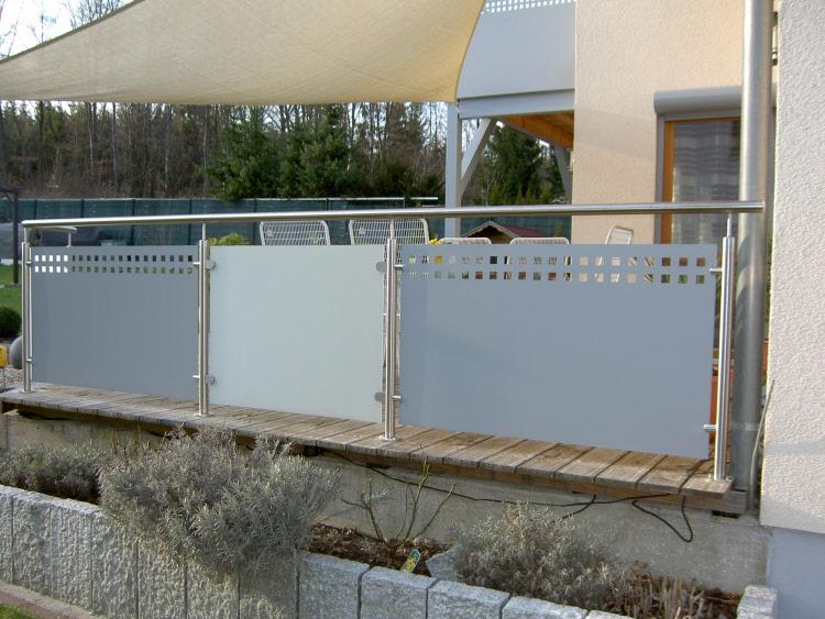 sichtschutz terrassengelander kreative ideen f r design und wohnm bel. Black Bedroom Furniture Sets. Home Design Ideas